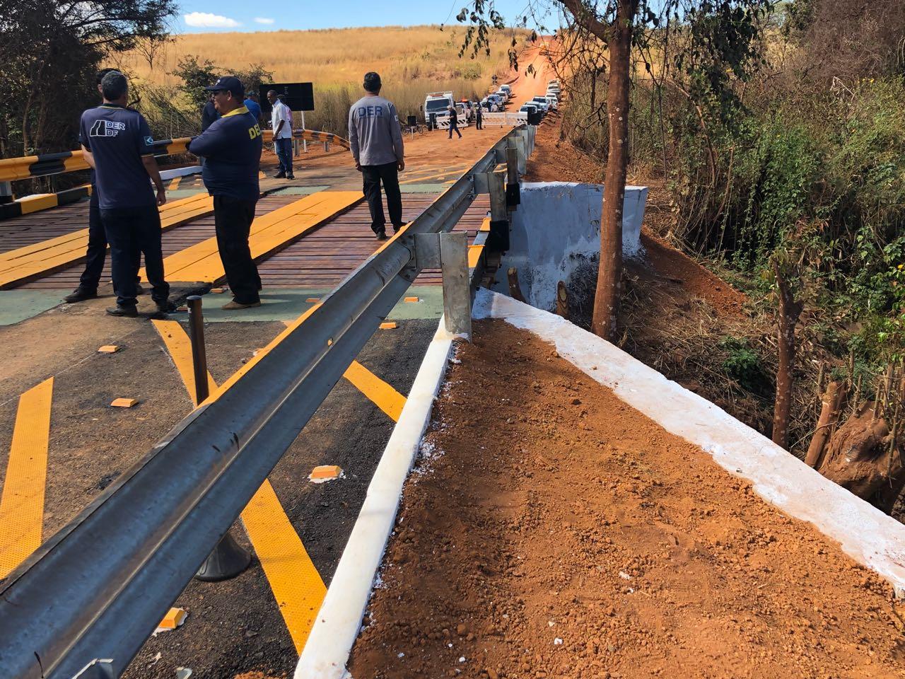 Inaugurada, em julho/2018, uma ponte na Vicinal 113, localizada no Núcleo Rural Pipiripau II. A via atende 450 famílias, além de alunos e funcionários do Centro de Ensino Fundamental  Pipiripau II.