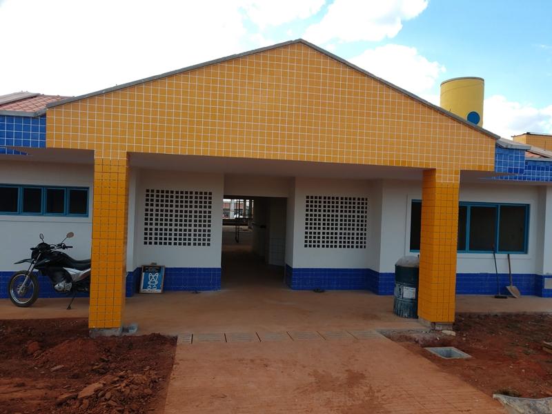 Implantado, em outubro/2018, o Centro de Educação da Primeira Infância - Cepi Raposa-do-Cerrado, localizado na QS 415, Área Especial 01 - Samambaia. O centro é composto por 8 salas de aula, bloco de administração, bloco de serviços, 3 blocos pedagógicos, pátio coberto, anfiteatro e parquinho, com capacidade de atendimento de até 150 crianças de 0 a 5 anos em período integral.