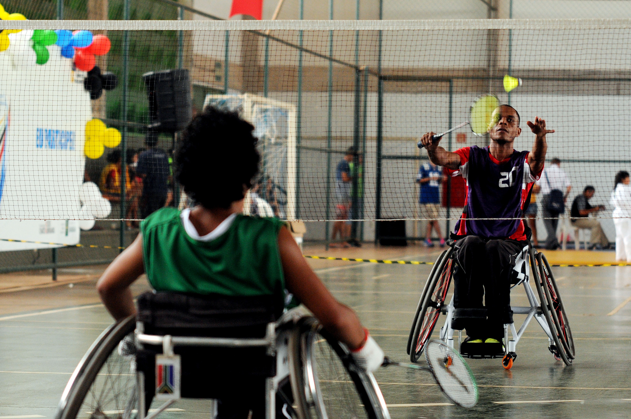 Realizados em 2015, 2016 e 2017, os Jogos Abertos de Brasília, com o objetivo de identificar novos talentos e incentivas a comunidade a participar de atividades esportivas.  <p>Foram ofertadas, em 2017, as seguintes modalidades, nas categorias masculino e feminino, para pessoas com deficiência:  <ul>     <li>Atletismo, com 15 participantes</li>     <li>Natação, com 18 participantes</li>     <li>Tênis de mesa, com seis participantes</li>
