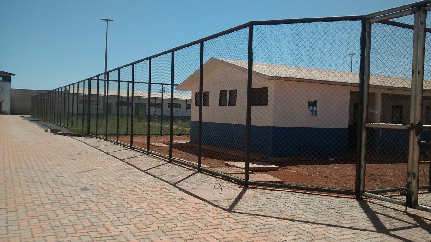 Retomada em 21 de junho a obra da Unidade de Internação de Brazlândia, localizada na BR 080 Entroncamento - Rodovia Padre Bernardo com a DF 415, com capacidade para 90 adolescentes do sexo masculino. Previsão de conclusão no 1º trimestre/2019.
