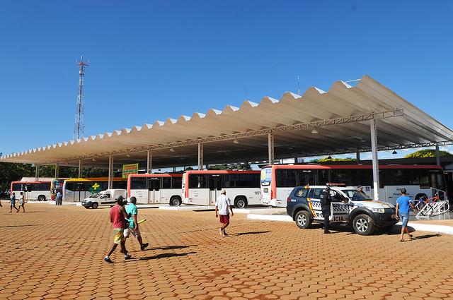 Reformado, em dezembro/2017, o terminal de ônibus urbano, localizado no Setor de Hotéis e Diversões, em Planaltina. A iniciativa contemplou a construção das plataformas de embarque, estacionamento, paraciclos, lanchonete e banheiros com acessibilidade.