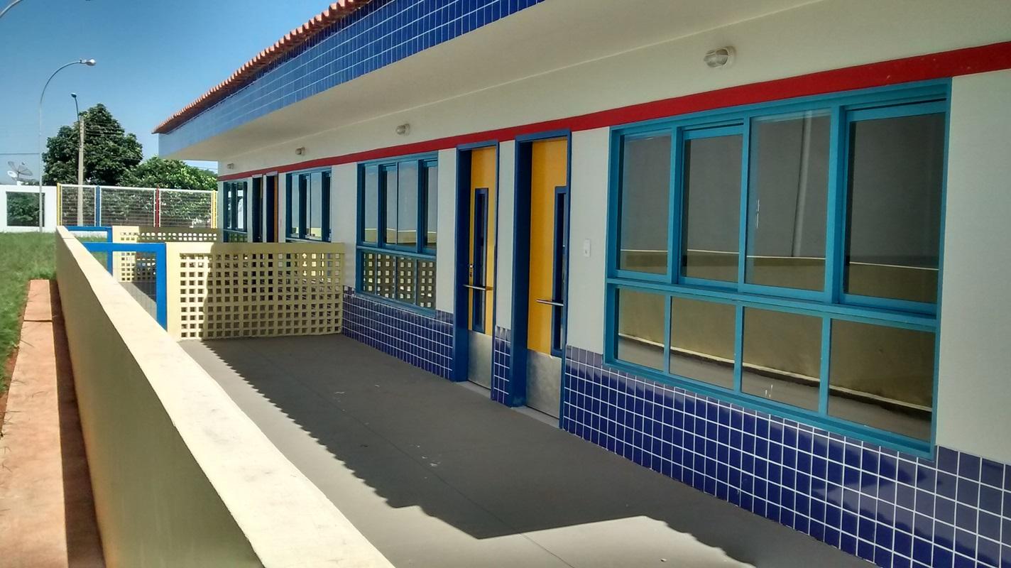 Implantado, em fevereiro/2017, o Centro de Educação da Primeira Infância - Cepi Cutia, localizado na QS 127, Área Especial 01 - Samambaia.  O centro é composto por 8 salas de aula, bloco de administração, bloco de serviços, 3 blocos pedagógicos, pátio coberto, anfiteatro e parquinho, com capacidade de atendimento a 150 crianças de 0 a 5 anos em período integral.
