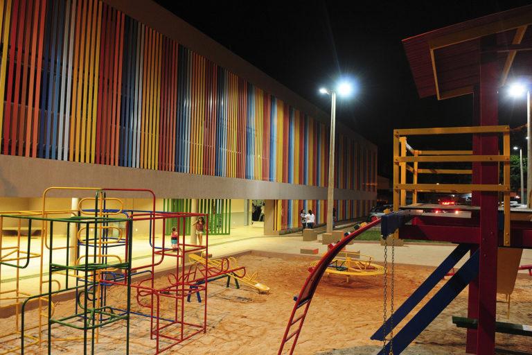 Reconstruída a Escola Classe Verde do Riacho Fundo (na SHRF, QS 02, LT A, AE - antiga Escola Classe 01 do Riacho Fundo) para atendimento a 780 estudantes, com atividades retomadas em 20/11/2017.