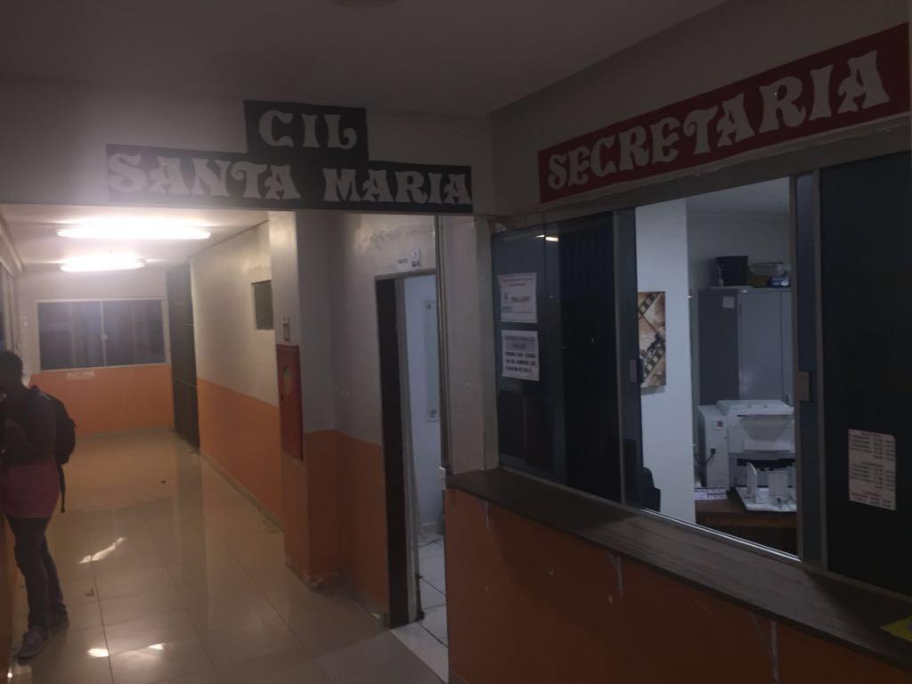 Implantados 04 Centros Interescolares de Línguas, nas seguintes regiões: <ul>     <li>Paranoá (mar/2016)</li>      <li>Samambaia (ago/2016)</li>      <li>Santa Maria (fev/2015)</li>      <li>Recanto das Emas (fev/2015)</li> </ul>