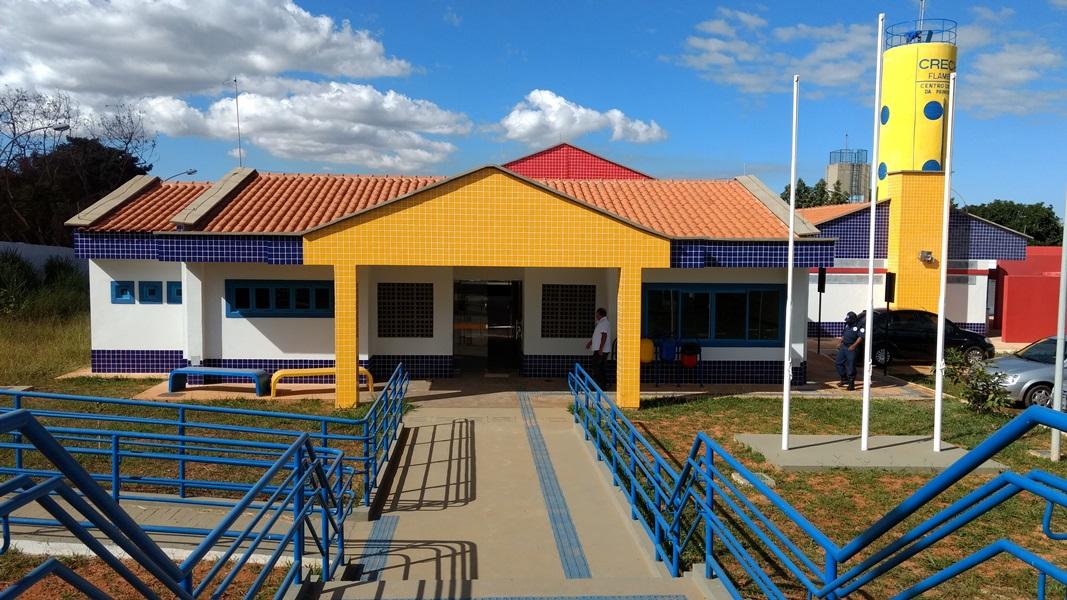 Implantado, em agosto/2017, o Centro de Educação da Primeira Infância - Cepi Flamboyant, localizado na Área Especial 01, Setor Sul - Brazlândia.  O centro é composto por 8 salas de aula, bloco de administração, bloco de serviços, 3 blocos pedagógicos, pátio coberto, anfiteatro e parquinho, com capacidade de atendimento a 150 crianças de 0 a 5 anos em período integral.