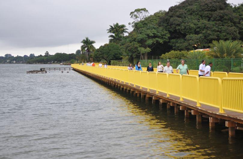 Construídos, em maio/2018, os deques de madeira que fazem a ligação do Parque da Asa Delta, e o Parque da Península, bem como da QL 12 com o Pontão do Lago Sul, perfazendo um total de 2.104 m² de área de livre acesso às margens do Lago Paranoá entregues para a população.
