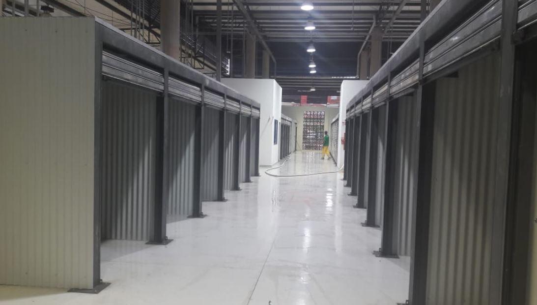 Construída, em outubro/2018 a Feira Permanente da Estrutural, na Área Especial 04 - SCIA. A Feira conta com um espaço de 2,5 mil metros quadrados com cobertura e 191 boxes metálicos, além disso, foram instalados banheiros masculino e feminino, salas de brigadistas e administrativa e estacionamento com 100 vagas.