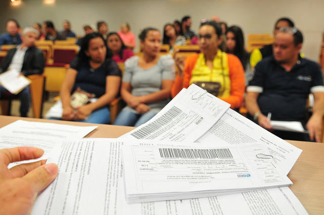 """Realizadas, até início de dezembro/2018, 38 palestras de orientação de concessão de microcrédito. A média de público, neste ano, é de 30 pessoas por palestra. Ao todo já foram ministradas 1.105 orientações. </p> Mais informações acesse as Cartilhas de Microcrédito para área urbana (<a href=""""http://www.trabalho.df.gov.br/wp-conteudo/uploads/2018/02/Cartilha-Prospera-%C3%81rea-Urbana-2017-vers%C3%A3o-final-19-05-2017.pdf"""">link aqui</a>) e área rural (<a href=""""http://www.trabalho.df.gov.br/wp-conteudo/uploads/2018/02/Cartilha-Prospera-Rural-2017-vers%C3%A3o-final-19-05-2017.pdf"""">link aqui</a>)"""