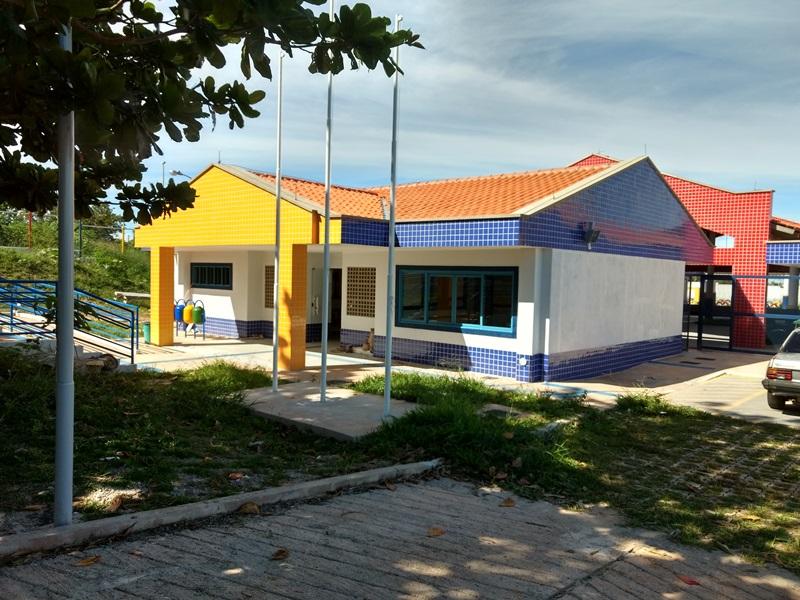 Implantado, em agosto/2017, o Centro de Educação da Primeira Infância - Cepi Capim-Estrela, localizado na QS 613, Área Especial 02 - Samambaia. O centro é composto por 8 salas de aula, bloco de administração, bloco de serviços, 3 blocos pedagógicos, pátio coberto, anfiteatro e parquinho, com capacidade de atendimento a 150 crianças de 0 a 5 anos em período integral.