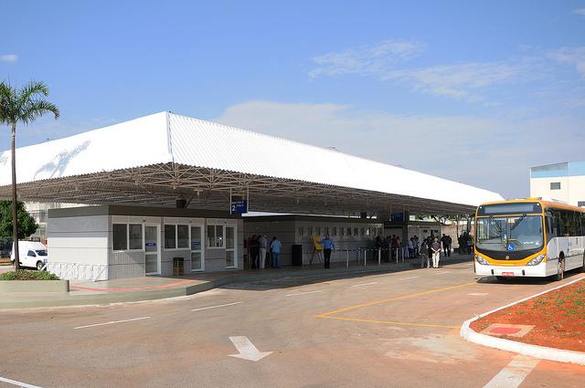 Reformado, em agosto/2016, o terminal de ônibus urbano, localizado na QI 12, no Guará I. A iniciativa contemplou a construção das plataformas de embarque, estacionamento, paraciclos, lanchonete e banheiros com acessibilidade.