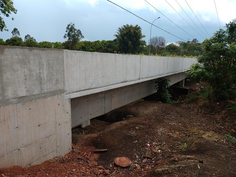 Concluído, em setembro/2018, o alargamento da Ponte sobre o Ribeirão Rodeador, localizado na DF-445 em Brazlândia.