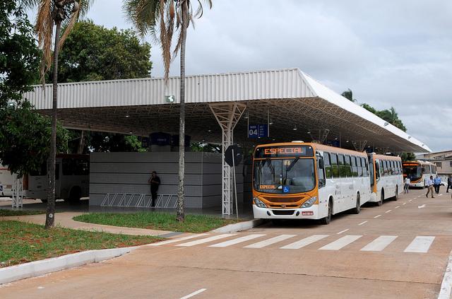 Reformado, em novembro/2016, o terminal de ônibus urbano, localizado na QSF Setor D, em Taguatinga Sul. A iniciativa contemplou a construção das plataformas de embarque, estacionamento, paraciclos, lanchonete e banheiros com acessibilidade.