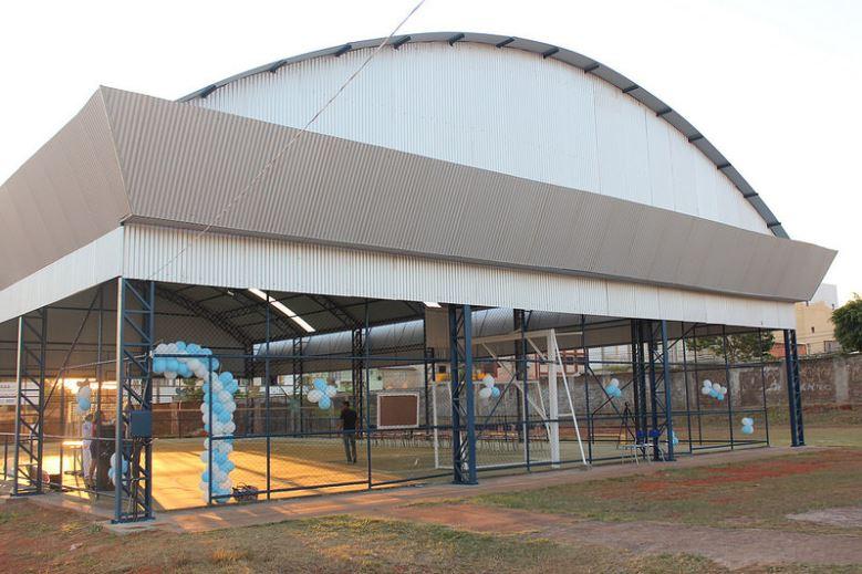 Construída, em 2017, a cobertura da quadra esportiva do Centro de Ensino Médio 01 do Riacho Fundo (QS 14 - Riacho Fundo I).