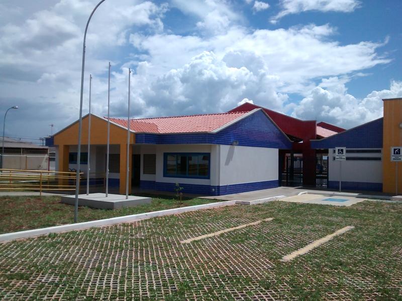 Implantado, em abril/2015, o Centro de Educação da Primeira Infância - Cepi Pica-Pau Branco, localizado na QR 307, Área Especial - Samambaia. O centro é composto por 8 salas de aula, bloco de administração, bloco de serviços, 3 blocos pedagógicos, pátio coberto, anfiteatro e parquinho, com capacidade de atendimento a 150 crianças de 0 a 5 anos em período integral.