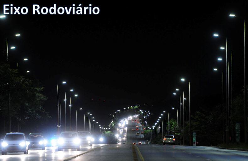 Lançado o programa Ilumina Mais Brasília, em fevereiro/2018. O programa tem como objetivo revitalizar e modernizar o sistema de iluminação pública do Distrito Federal, promovendo a substituição de lâmpadas de vapor de sódio por luminárias de LED. Até, novembro/2018, já foram instaladas mais de 11.700 luminárias de LED, garantindo mais segurança para motoristas e pedestres nas principais vias da cidade, além de proporcionar uma economia significativa no consumo de energia em todo Distrito Federal.