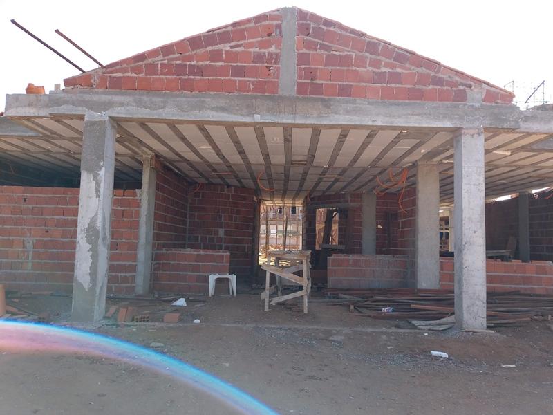 Centro de Educação da Primeira Infância - Cepi Papagaio, localizado na EQNP 06/10, Área Especial - Ceilândia, em obras, com previsão de conclusão em 2019. O centro é composto por 8 salas de aula, bloco de administração, bloco de serviços, 3 blocos pedagógicos, pátio coberto, anfiteatro e parquinho, com capacidade de atendimento de até 150 crianças de 0 a 5 anos em período integral.