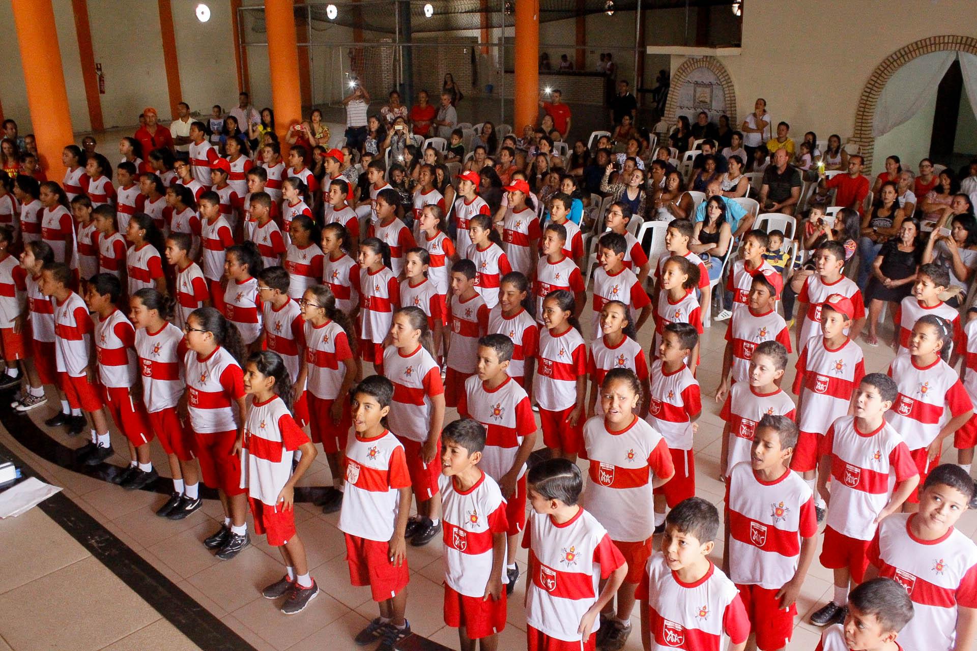 Mantido o Projeto Bombeiro Mirim, programa que oferece atividades educativas, esportivas, culturais e recreativas e inclui atividades de Bombeiro Militar, como primeiro socorros, salvamento e prevenção de acidentes domésticos, e incêndios para crianças e adolescentes que estudam na rede pública, com idade entre 7 e 14 anos. Atendimento, por evento, de aproximadamente 1.500 crianças.