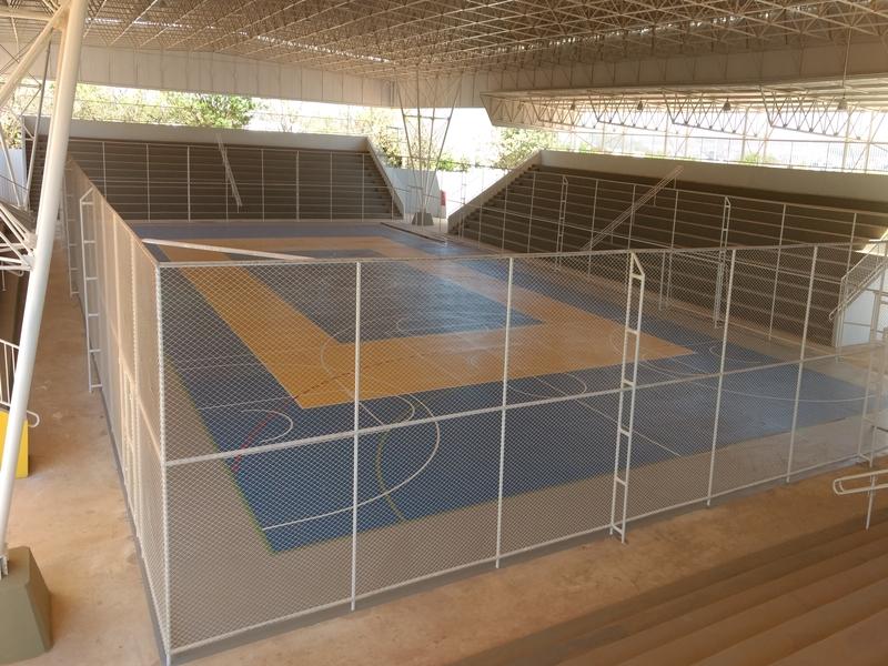 Implantado, em setembro/2017, o Centro Olímpico e Paralímpico de Planaltina, localizado no setor recreativo e cultural módulo esportivo de Planaltina, ao lado do Restaurante Comunitário. O complexo tem 35,7 mil m², composto por quadras de tênis e poliesportiva, pista de atletismo, ginásio poliesportivo coberto, campo de grama sintética e piscinas semiolímpica e infantil.<p> O centro tem capacidade para atendimento, com aulas regulares, a 3 mil pessoas (a partir de 4 anos), entre as quais, estudantes que participam da escola integral na rede pública de ensino. Oferta, ainda, outros serviços em parceria com órgãos do GDF: saúde, cultura, prestação de serviços comunitários, bem como atividades de esporte e lazer aos fins de semana e feriados.