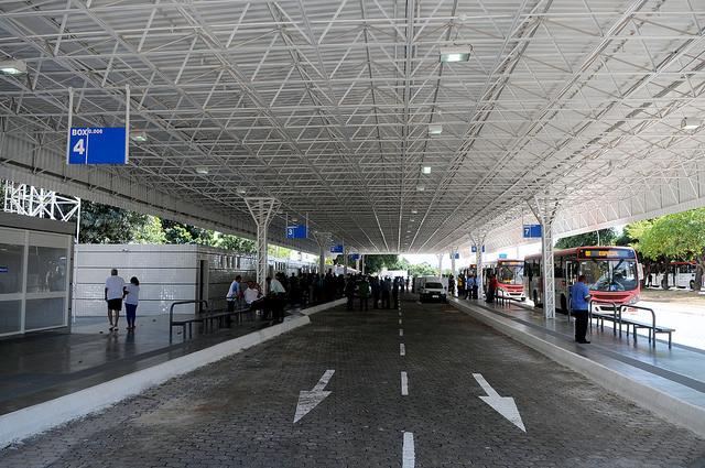 Reformado, em outubro/2016, o terminal de ônibus urbano, localizado na área especial do Setor N, no Cruzeiro Novo. A iniciativa contemplou a construção das plataformas de embarque, estacionamento, paraciclos, lanchonete e banheiros com acessibilidade.