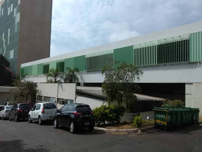 Reformada a fachada da emergência do Instituto Hospital de Base - IHBDF; obra concluída em outubro/2017.</li>