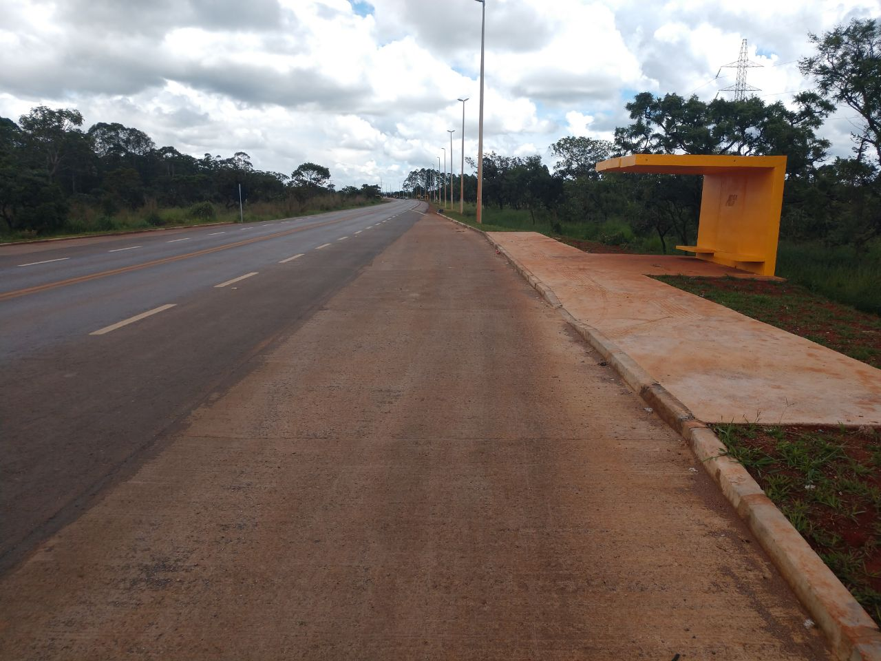 Inaugurada, em novembro/2017, a restauração da rodovia DF-001 (EPCT), entroncamento DF-095 (EPCL) - entroncamento BR-080 (Caminho para Brazlândia).
